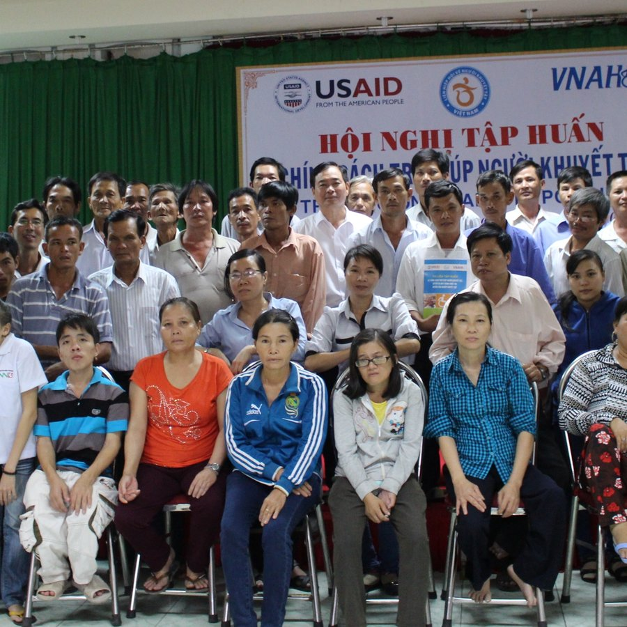 Vietnamese RightsNow organization members